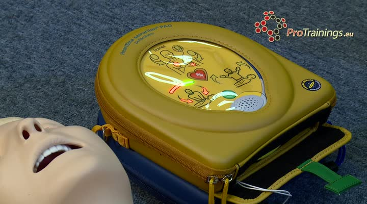 AED demo using the HeartSine 500